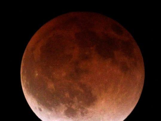 Blood_Moon_CANU402_WEB623403