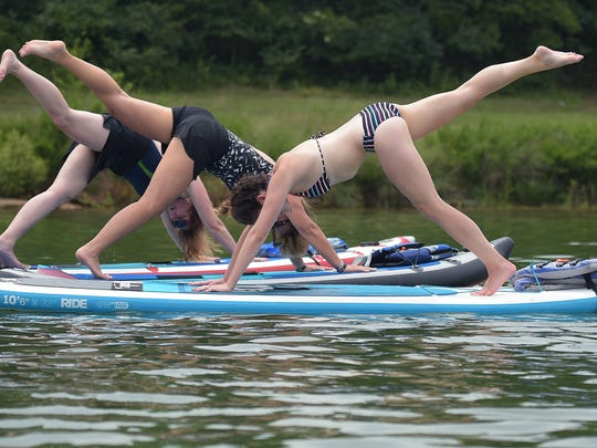 Nashville Paddle Co. offers stand-up paddleboarding