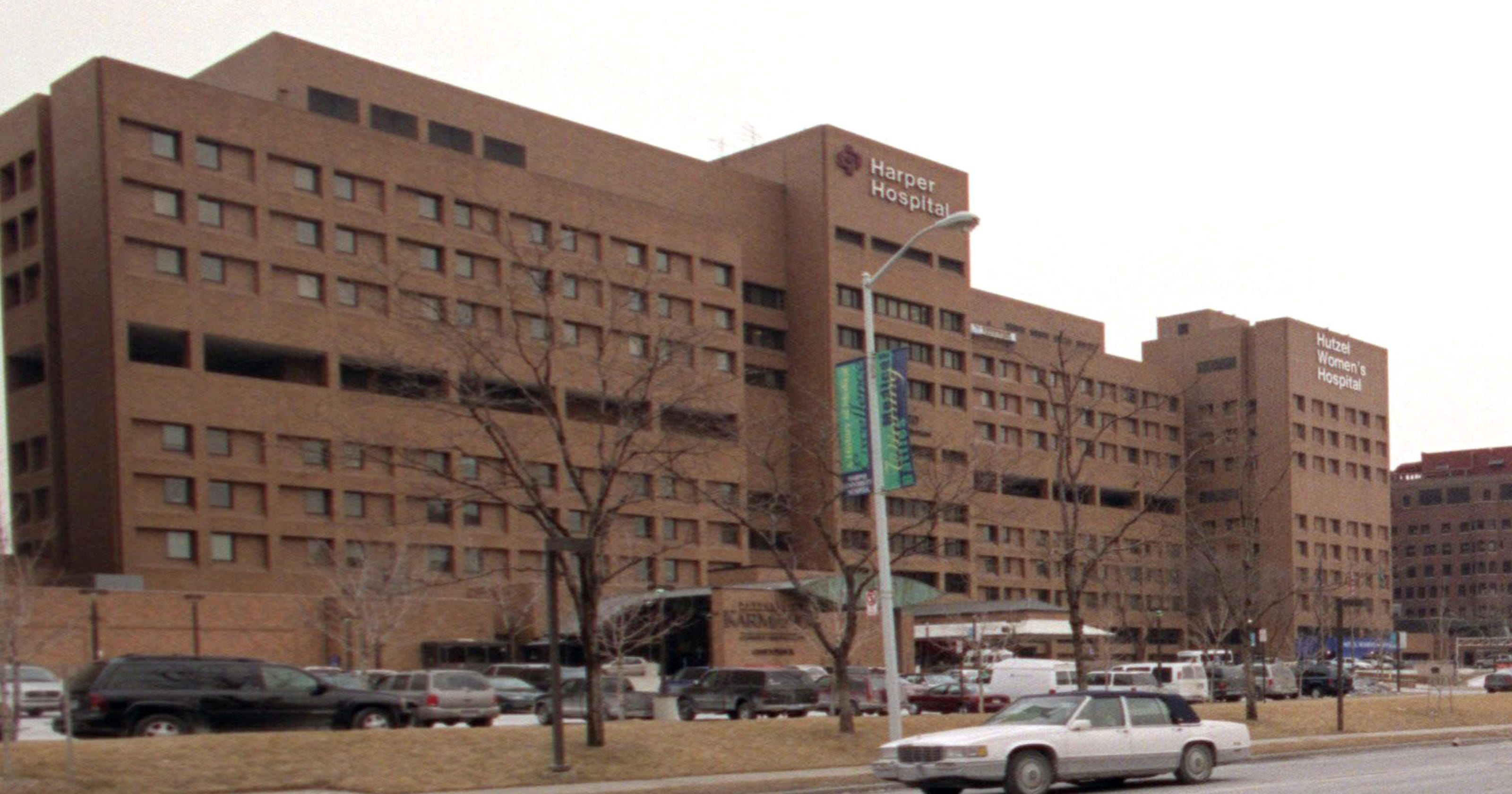 Detroit medical centers harper hospital cited for dirty kitchen bugs