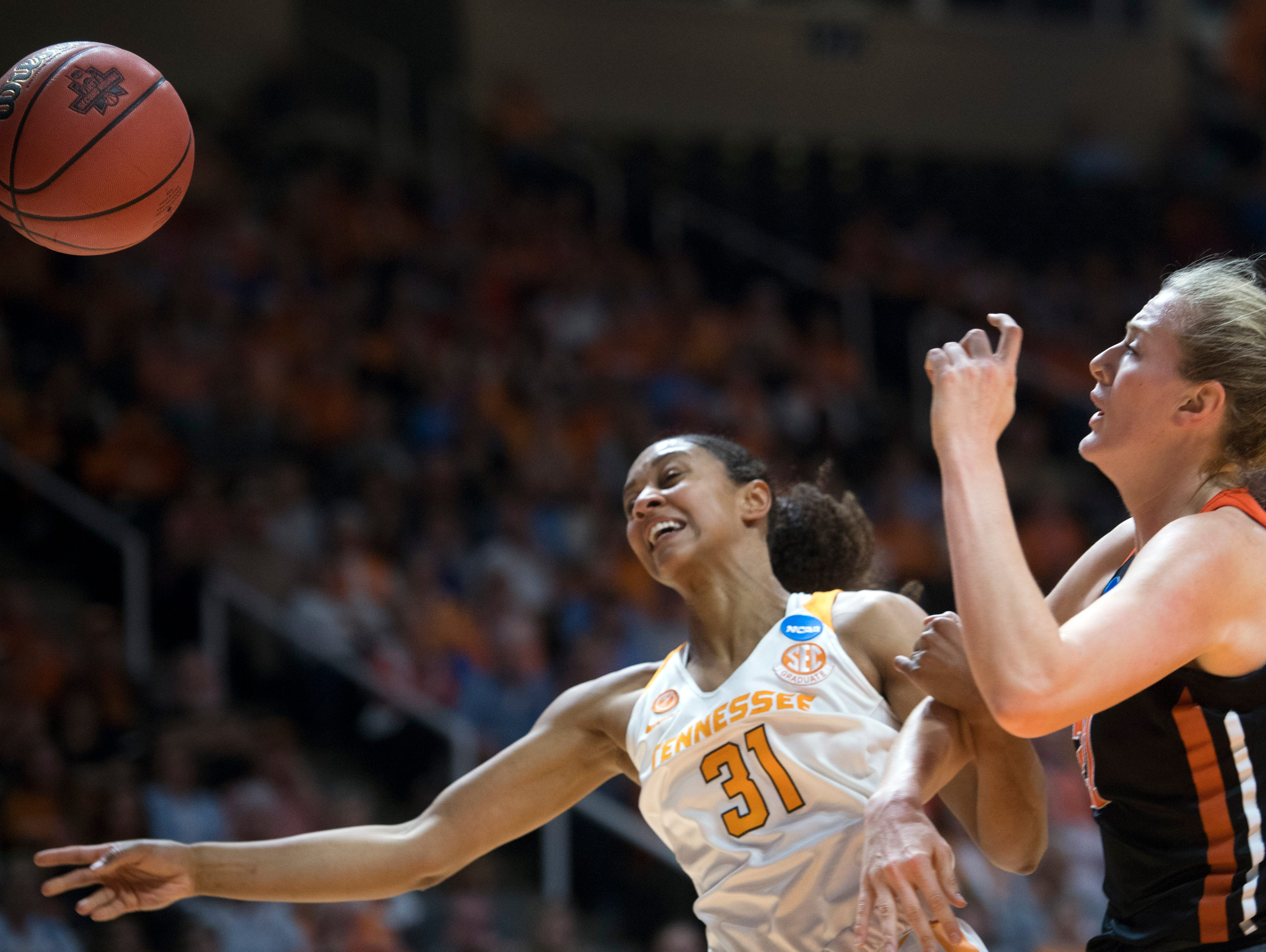 Holly Warlick: Lady Vols don't 'deserve half the crap ...
