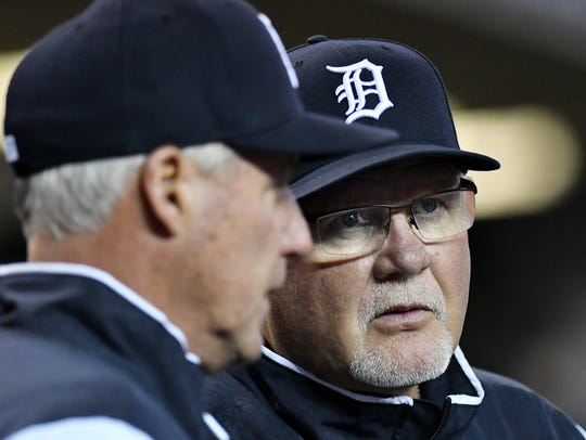 Tigers manager Ron Gardenhire has turned to his old pitching coach, Rick Anderson, left, to replace Chris Bosio.