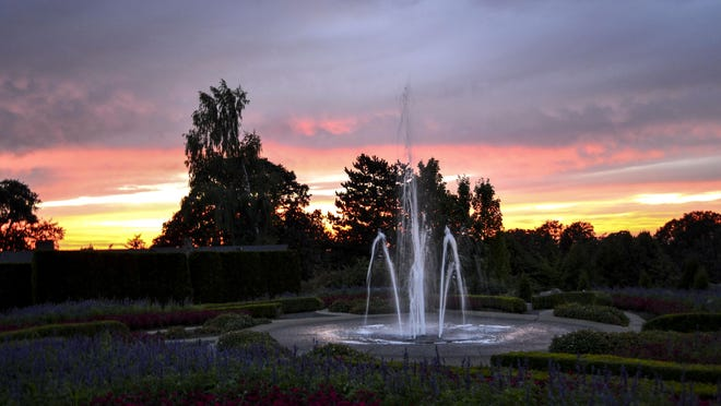 Sunsets in the Garden, featuring live music and wine, kicks off on Wednesday, Aug. 5, and will continue on Wednesdays through Sept. 9.