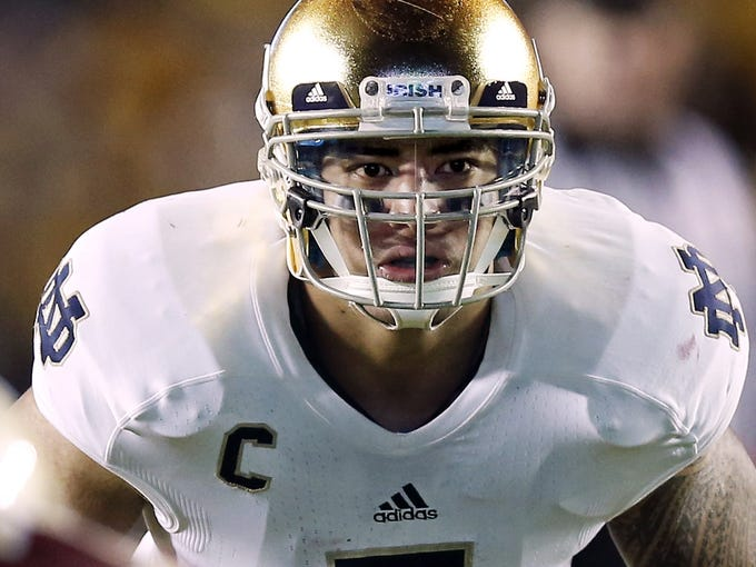 Notre Dame linebacker Manti Te'o finished second in the 2012 Heisman Trophy voting to Texas A&M quarterback Johnny Manziel.