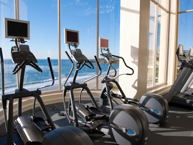 Many hotel fitness centers feel like afterthoughts, with a few rusty machines crammed into sad little rooms in a forgotten corner. But some hotels go above and beyond to provide an appealing space for travelers to work out, with large windows overlooking the city, the mountains or the beach. The Ritz-Carlton Laguna Niguel, Orange County: This top-notch gym doesn't only offer high-end Precor and Icarian machines with individual TVs -- it also boasts some of the most impressive views around. Imagine keeping up with your daily workout while seeing the gentle waves lap against a pristine beach on the West Coast. Doesn't sound too bad, eh?