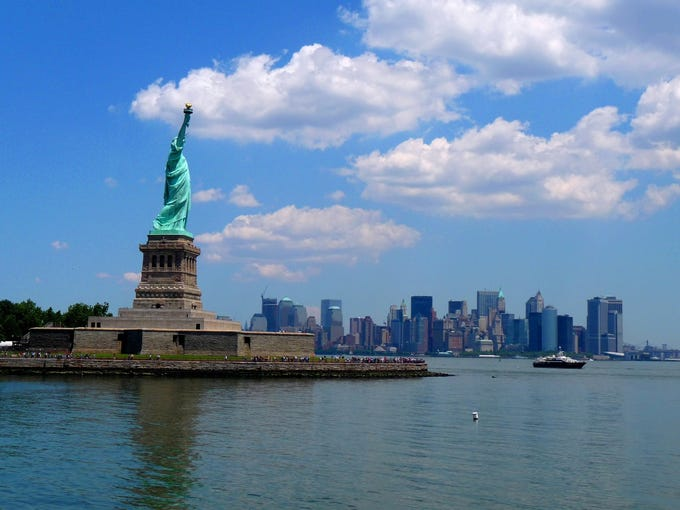 TripAdvisor, the crowd-sourced mega site that lets travelers rate hotels, restaurants and attractions worldwide, has announced its 2013 Travelers' Choice Destination awards. Here's a look at the 25 best-rated U.S. destinations. No. 1: New York City