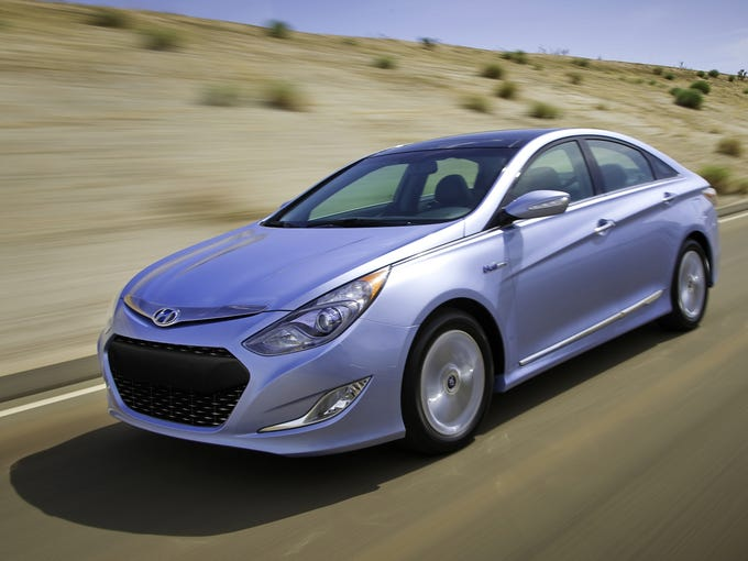 With drivetrain changes almost too numerous to list, and some of them too technical to appreciate, the 2013 Sonata Hybrid is a winner.