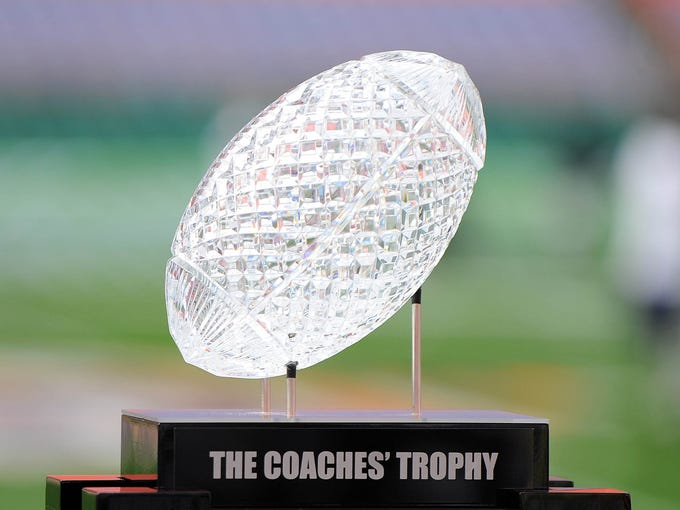 Coming off back-to-back national titles, Alabama is No. 1 in the preseason USA TODAY Sports Coaches Poll. Where does everyone else stand in the top 25?
