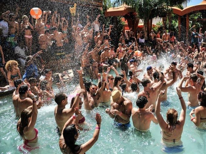 flirting games at the beach resort hotel resort las vegas