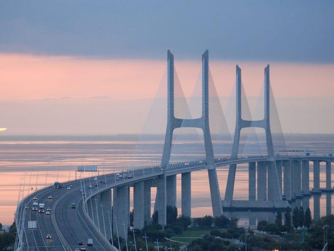 photos 10 longest bridges to drive across. Black Bedroom Furniture Sets. Home Design Ideas