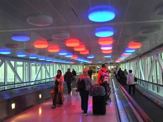 -04airport011314.jpg20140113.jpg
