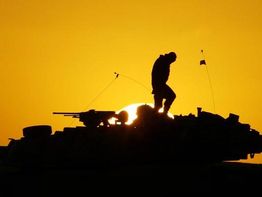 -CHLBrd_08-07-2013_Daily_1_A006~~2013~08~06~IMG_Military_Suicides__2_2_1_7E4.jpg