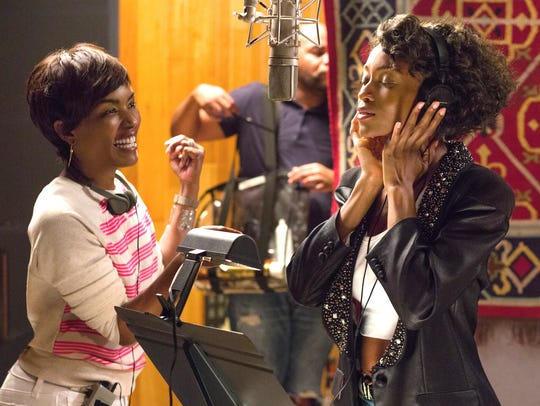 Angela Bassett directs Yaya DaCosta (Whitney Houston)