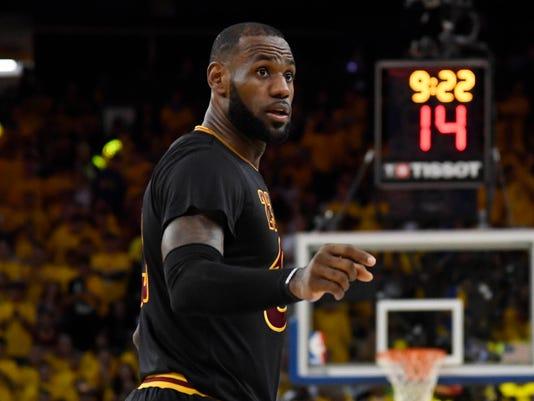 USP NBA: FINALS-CLEVELAND CAVALIERS AT GOLDEN STAT S BKN GSW CLE USA CA