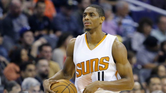 Phoenix Suns guard Brandon Knight (11) against the Los Angeles Lakers during the first half of their NBA game Wednesday, Feb. 15, 2017 in Phoenix, Ariz.