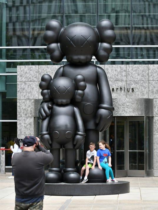 636625144452878335-Sculpture-01.jpg