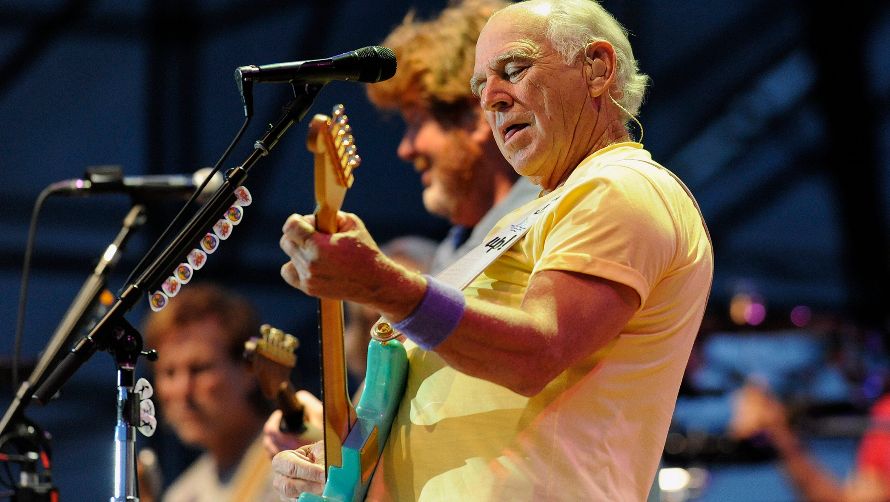 jimmy buffet and the parrotheads bring margaritaville to detroit. Black Bedroom Furniture Sets. Home Design Ideas
