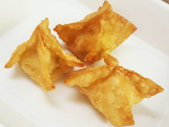 Green chile cream cheese wontons ($1.79)