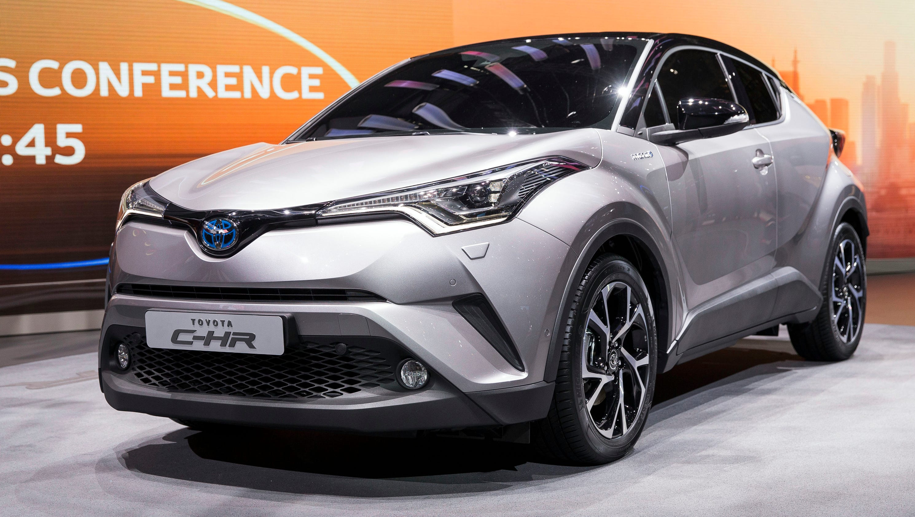 toyota shows stylish new c hr crossover. Black Bedroom Furniture Sets. Home Design Ideas