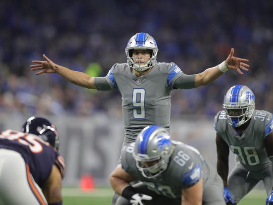 Lions QB Matthew Stafford lines up against the Bears
