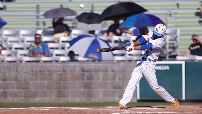 Moody's Robert Arredondo gets a single in the first inning of the game against Pharr Valley View at Cabaniss on Saturday, May 13, 2017.