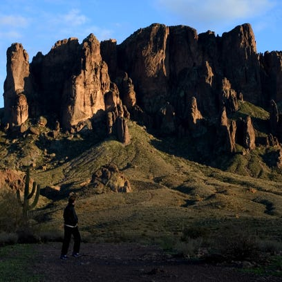 2 rabid animals found in Superstition Mountains area popular with hikers
