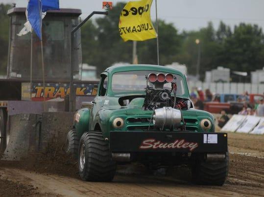 BUC tractor 02.jpg
