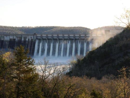 Norfork Dam 4-11-08.JPG
