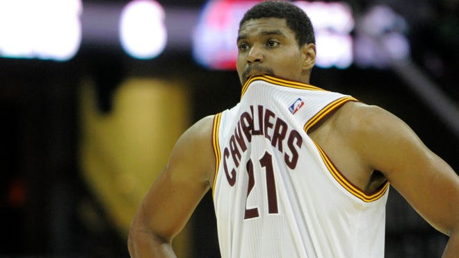 Andrew Bynum has signed with the Indiana Pacers