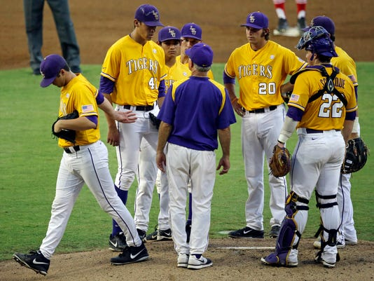 NCAA Houston LSU Base_Wash