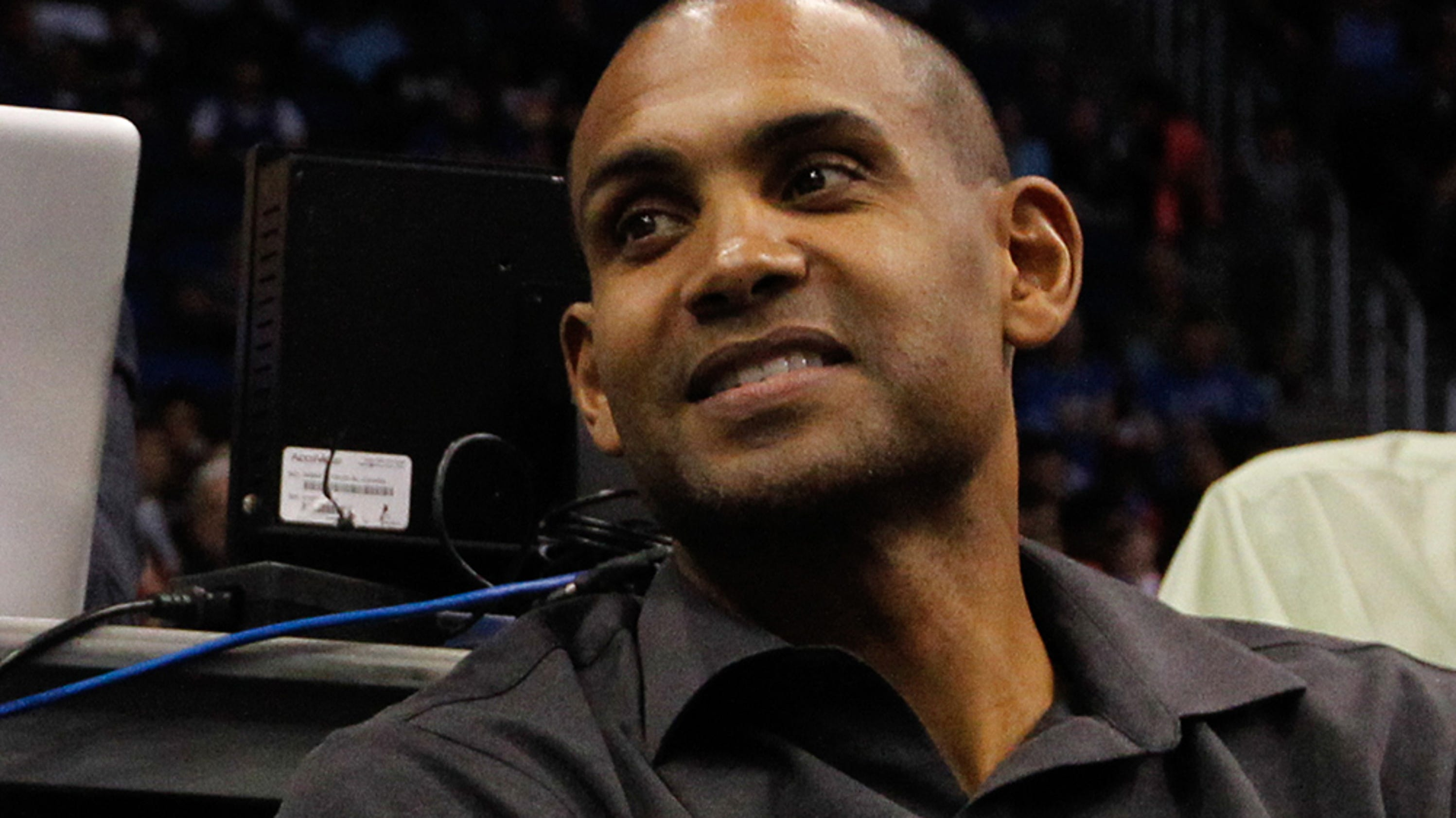 a biography of grant hill a football player Nba legend grant hill weighs in on trump-nfl controversy the players, coaches, team owners the national anthem before an nfl football.