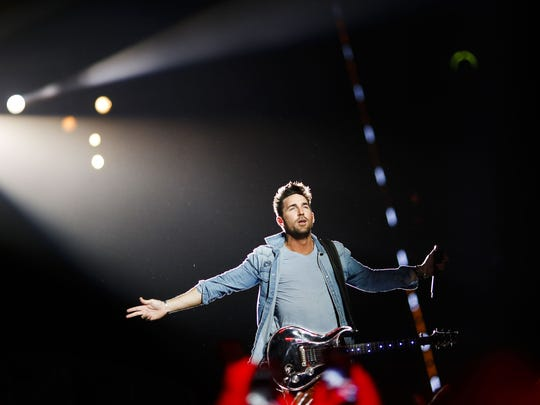 Jake Owen performs during the Country Thunder music