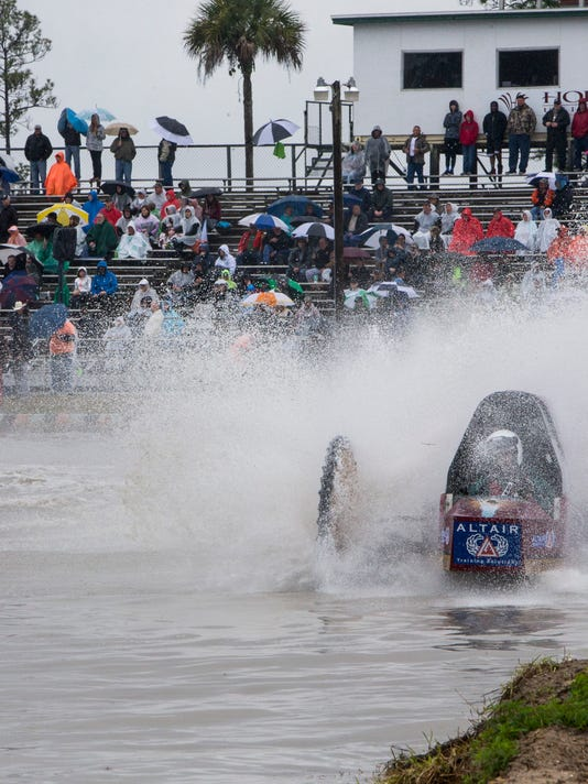 NDN 0130 Swamp Buggy Races 016