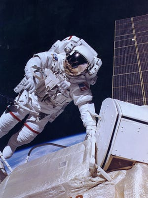 Jerry Ross, one of 24 Purdue graduates selected as astronauts, will be among 14 returning to campus Oct. 10-12 for an astronaut reunion.