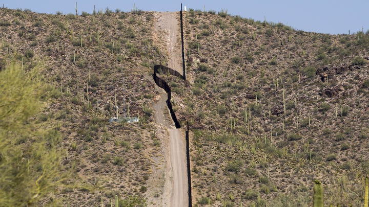 Trump's border wall: What does the border look like?