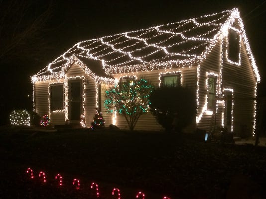 Where to find the best Christmas lights Displays 2017 around Springfield