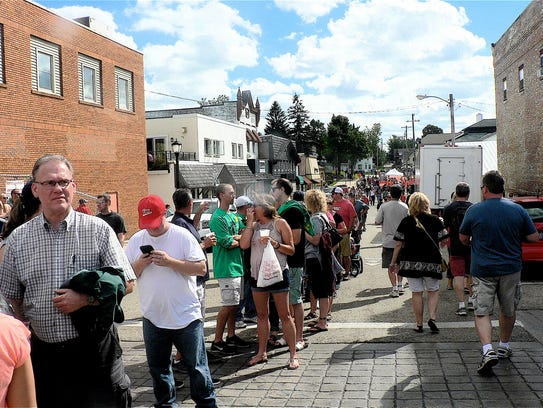 The long line of people waiting to buy fried cheese