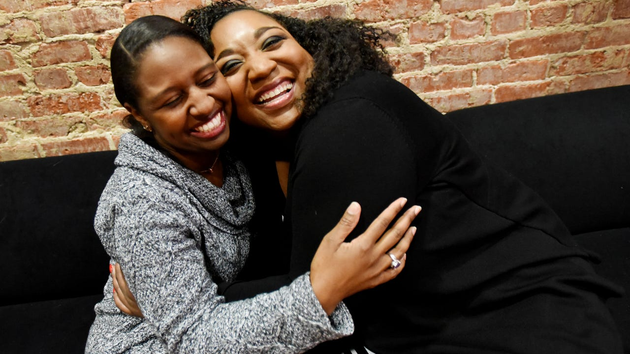 Entrepreneur Jazmin Jernigan and marketing director Kourtney Washington give the scoop on their dynamic friendship.