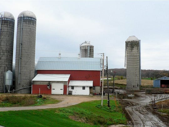 Two 80-foot, a 60-foot and a high moisture corn silo provide feed storage.