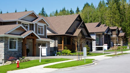 If you're thinking about selling your home, a complete marketing program and professional listing will speed up the selling process and garner a higher price.