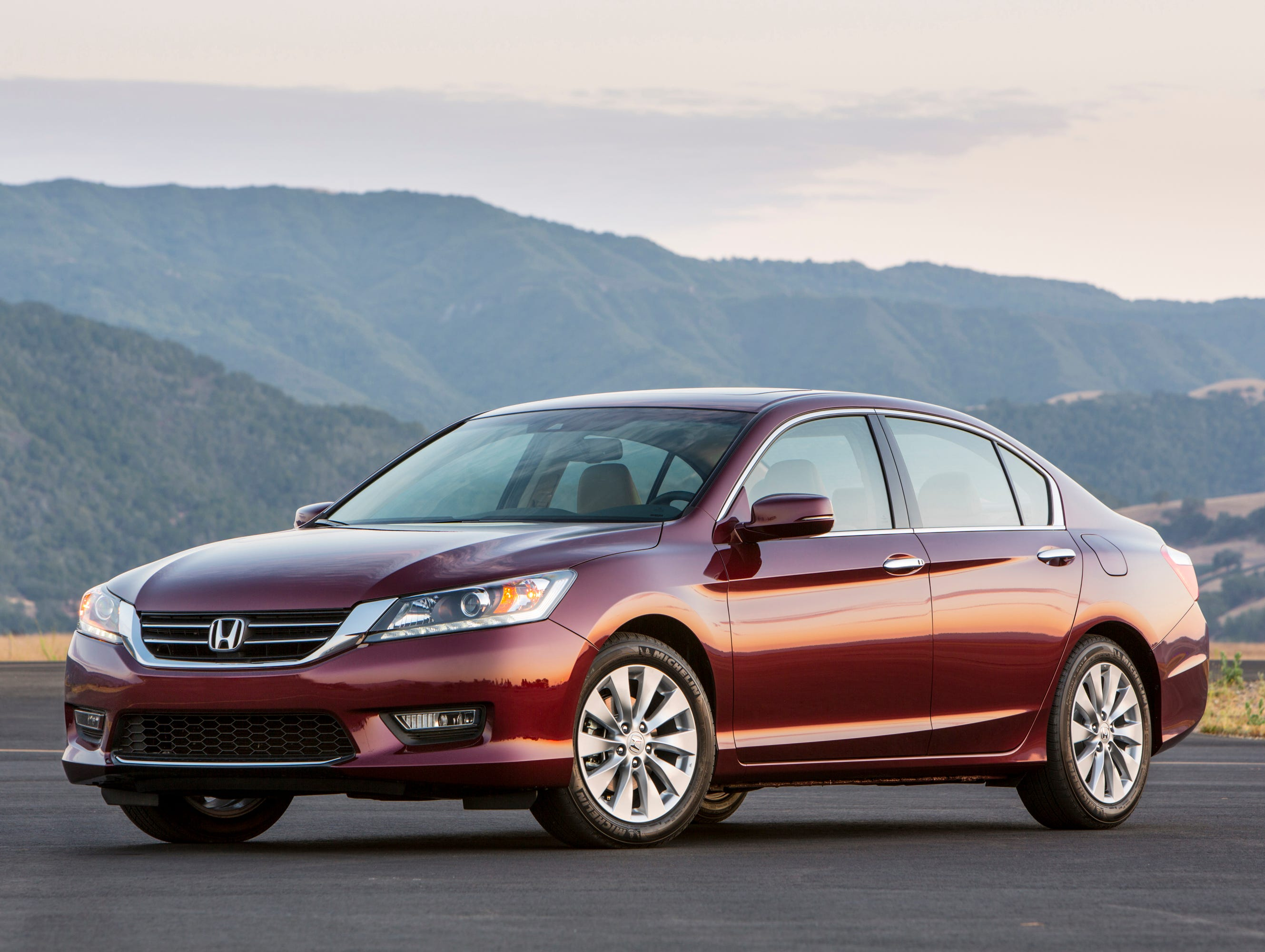 10 best cars for short drivers for Best honda accord year