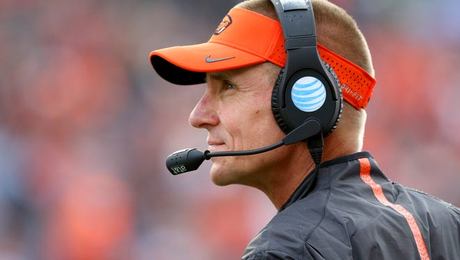 Oregon State head coach Gary Andersen on the sidelines against Weber State during the first half at Reser Stadium, Friday, September 4, 2015, in Corvallis, Ore.