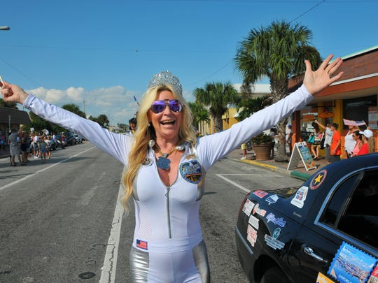 Jackie Siegel, the Queen of Versailles, knows how to make an entrance.   She climbed out of her crown topped limo with partner Mrs. Orlando Robin Wright and walked the last part of the parade.Fireball Run Space Race finished up in Cocoa  Beach Saturday afternoon with a parade through downtown Cocoa Beach.