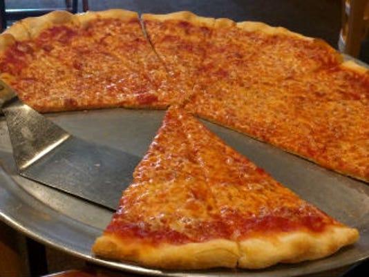 636368489864702690-Adjusted-Vincent-s-pizza.jpg