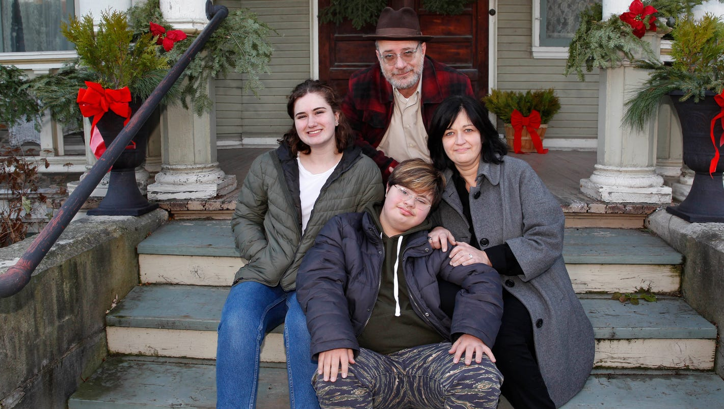 Lavish Christmas decorations adorn 120-year-old home