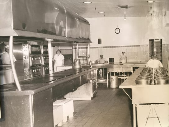 An undated photo of the kitchen at Oregon State Hospital.