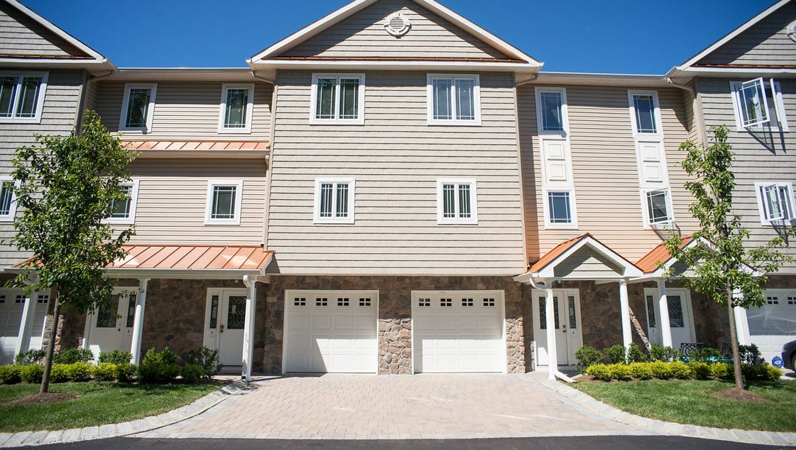 Florence Court Townhomes Townhomes In Aberdeen