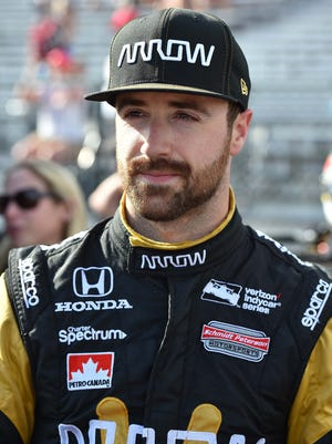 Mar 11, 2016; St. Petersburg, FL, USA; Verizon IndyCar Series driver James Hinchcliffe (5) during practice for the Grand Prix of St. Petersburg at streets of St. Petersburg. Mandatory Credit: Jasen Vinlove-USA TODAY Sports