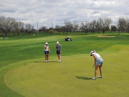 augustana golf prepares for region tourney with hopes to. Black Bedroom Furniture Sets. Home Design Ideas