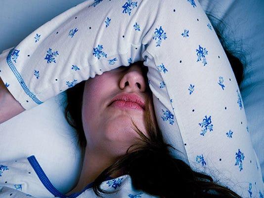 migraines-GettyImages-472713986-feature-850x400.jpg