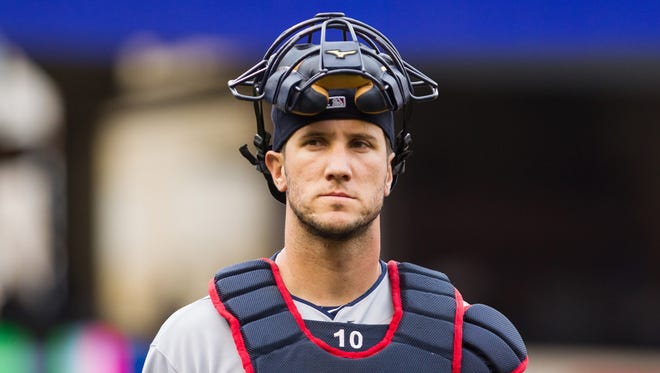 Cleveland Indians catcher Yan Gomes (10) walks in from the bullpen before a 2013 game against the Minnesota Twins.